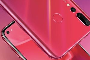 Huawei представили смартфон Nova 4 с необычной фотокамерой