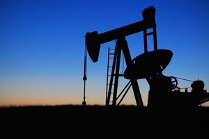 Цена нефти побила антирекорд за 15 месяцев
