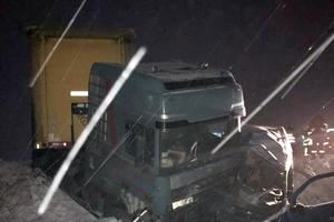 В Хмельницкой области столкнулись грузовик и легковушка: два человека погибли