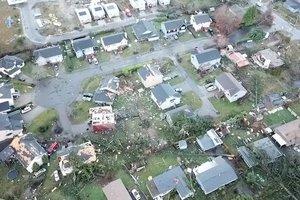 На штат Вашингтон обрушилось торнадо: завораживающие фото и видео попали в Сеть