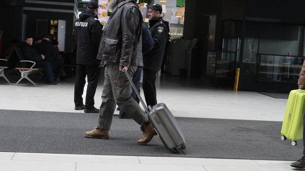 Аэропорт «Борисполь» ограничит прием импортных грузов с24декабря по4января
