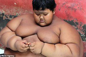 Самый толстый ребенок Индонезии похудел почти на центнер и мечтает стать футболистом: видео