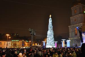 Главная елка Украины признана лучшей среди рождественских елок в Европе