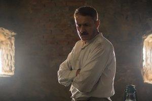 """Военный врач и его эксперименты: появился впечатляющий трейлер фильма """"Эфир"""" Кшиштофа Занусси"""
