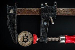 Цена биткоина поднялась выше 4 000 долларов