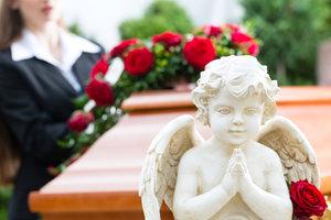 Смертельно больной пенсионер устроил себе веселые похороны