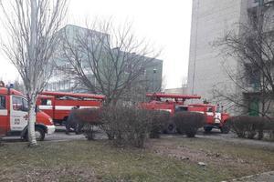 В студенческом общежитии Мелитополя вспыхнул пожар: появились фото и видео