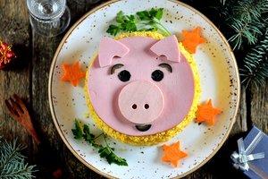 Салаты на Новый год Свиньи: ТОП-5 праздничных рецептов