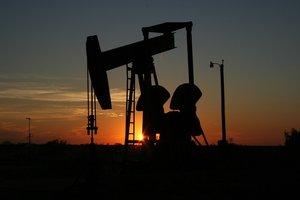 Цены на нефть завершают неделю резким падением