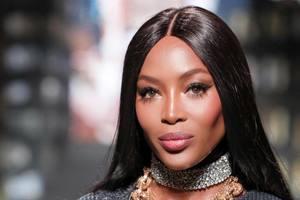 48-летняя Наоми Кэмпбелл топлес снялась для бренда косметики