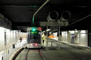 В Франции сошел с рельсов поезд метро: есть пострадавшие