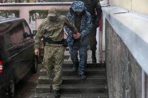 Красный Крест добивается встречи с захваченными украинскими моряками