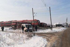 Столкновение поезда и школьного автобуса в Сербии: число жертв возросло