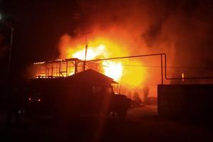 В Запорожской области загорелся завод автозапчастей