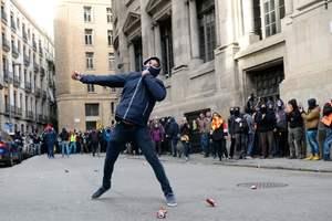Протесты в Барселоне: пострадали более 60 человек
