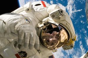 Космические мучения: что происходит с астронавтами на Земле - видео