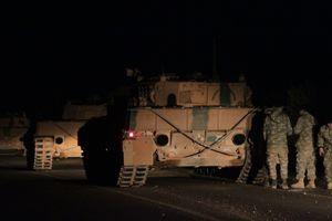 Турция готовится к вторжению в Сирию: к границе съезжается военная техника