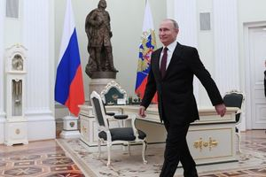 Путин поздравил с наступающим Новым годом Трампа и лидеров ЕС