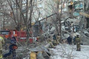 Мощный взрыв разрушил дом в России: десятки человек остаются под завалами