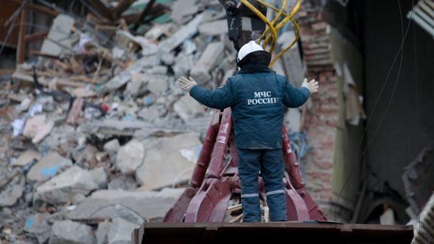 Спасатели на месте взрыва. Фото: AFP