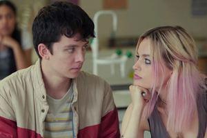 """Секс-терапия для подростков: Netflix опубликовал трейлер сериала """"Сексуальное воспитание"""""""