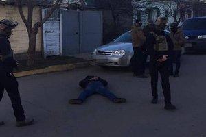 В Николаеве задержали банду вымогателей