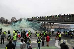 """Во Франции снова начались протесты """"желтых жилетов"""": опубликованы фото"""