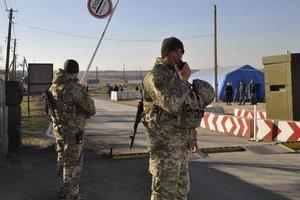 На Донбассе в очередях на КПВВ погибли два человека
