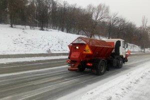 Из-за снегопада на дороги Киева вывели дополнительную технику