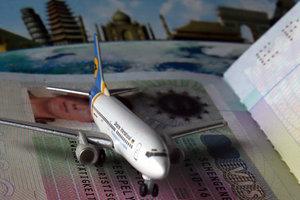 Украинцам добавили 14 безвизовых стран: опубликован обновленный рейтинг паспортов