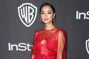 """Наши на """"Золотом глобусе"""": актриса Джейми Чанг пришла в платье украинского дизайнера"""