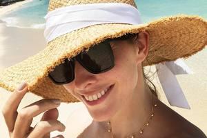 Не беременна: Екатерина Осадчая похвасталась стройной фигурой в купальнике