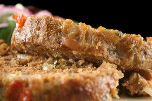 Мясной хлебец с луком и морковью: рецепт от Марты Стюарт