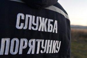 В Запорожье спасатели вытащили из огня вынесли отца с сыном