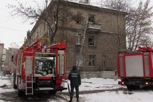В Запорожье вспыхнул пожар в квартире, где были заперты маленькие дети