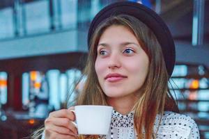 Боролась с токсикозом при помощи пива: Регина Тодоренко раскрыла новые факты о беременности