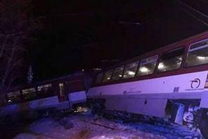 В Словакии поезд столкнулся с грузовиком: есть пострадавшие