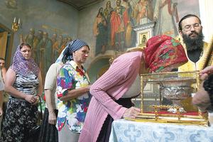 Христианское поведение в православной церкви: как себя вести на причастии