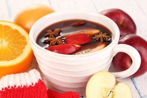 Можно ли пить глинтвейн: польза и вред напитка для здоровья