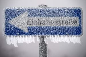 Сильнейшие снегопады за 10 лет: непогода оставила Балканы без света, связи и транспорта