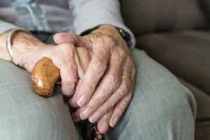 В Харьковской области псевдогазовщики обокрали 80-летнюю пенсионерку