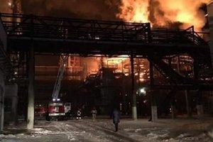 Пожар на химзаводе под Калушем: загорелся газовый трубопровод