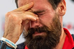 Олимпийский чемпион по биатлону завершает карьеру