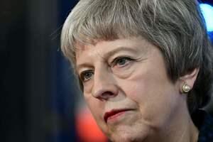 В Британии депутаты планируют отстранить правительство Мэйотвласти