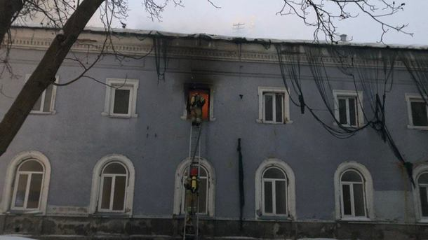 УНIАН: вКиево-Печерской лавре произошел пожар