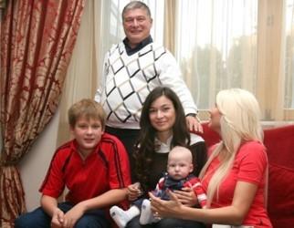 олигархи кыргызстана знакомства фото