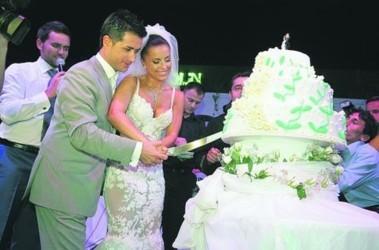 Разноцветный свадебный торт фото 1