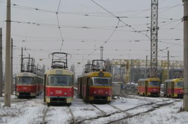 Харьковчанин угодил под трамвай (дополнено)