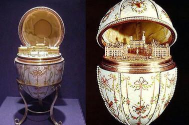 В яйце — мини-копия дворца матери императора