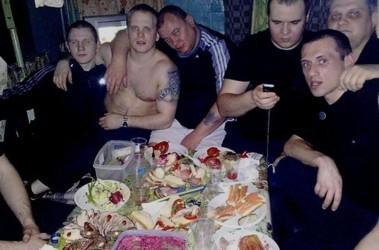 kak-gonyat-pyanie-babi-muzhchina-v-dushe-goliy-i-devushka